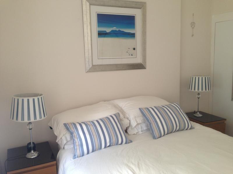 Millport Beach Apartment (Crichton St)