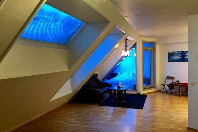 Panorámica habitación con balcón