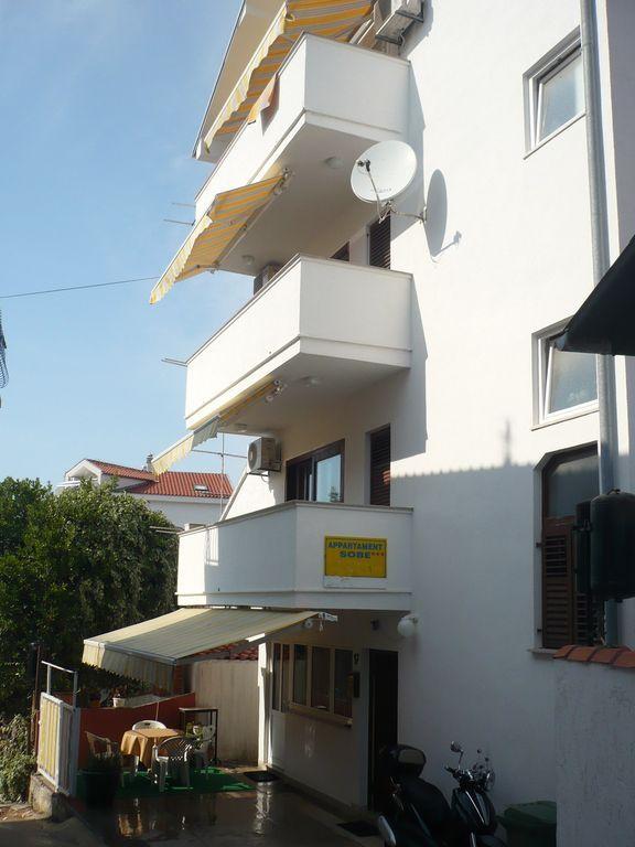 Apartamento vacacional sólo 50 m hasta el Adriático