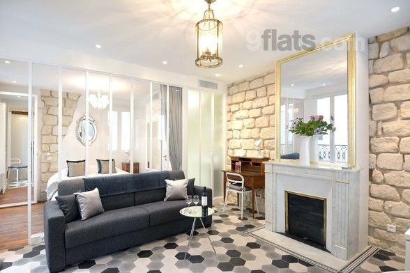 Luxurious and Stylish Apartment in Marais with Elevator