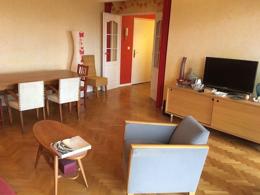 Logement chaleureux de 90 m²