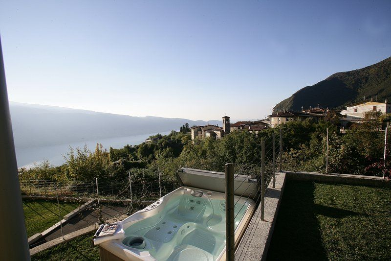 Park Residence la Villa-Suite con idromassaggio e giardino