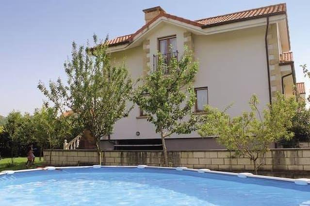 Alojamiento en Noja con piscina