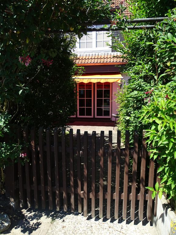 Chalet mit Garten und 2 Zimmern