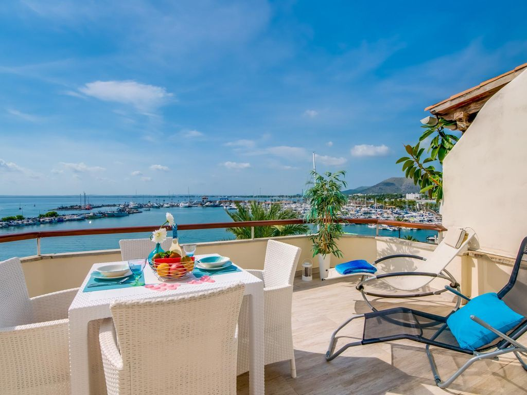 With views holiday rental with balcony