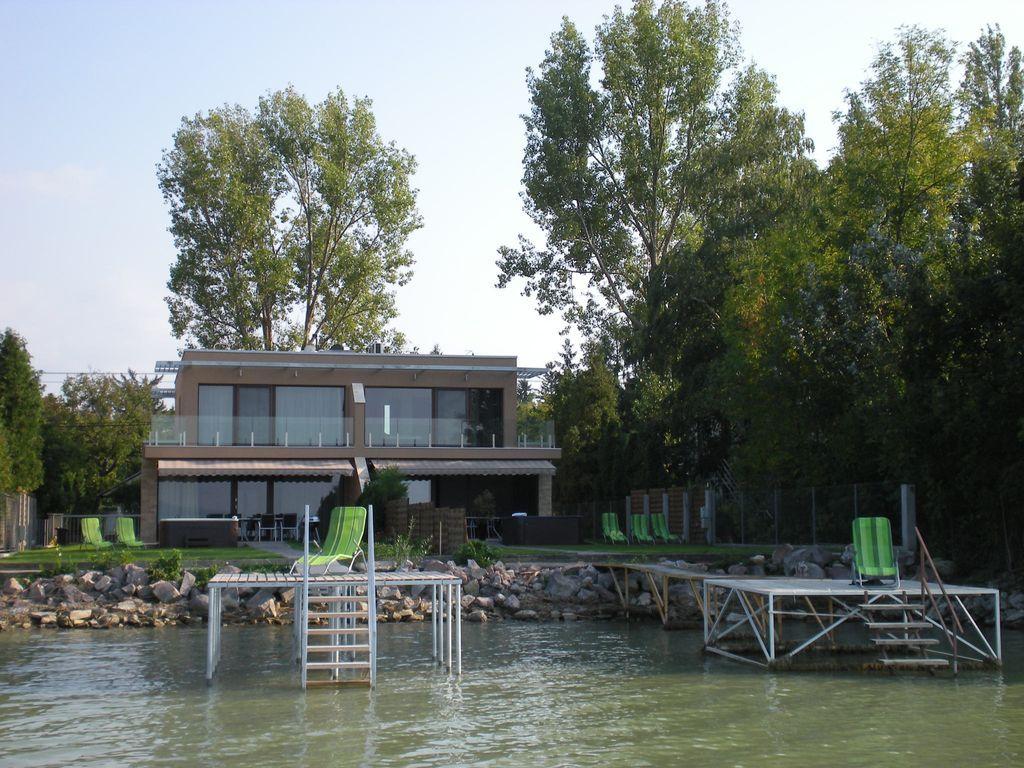 Con vistas residencia de 100 m²