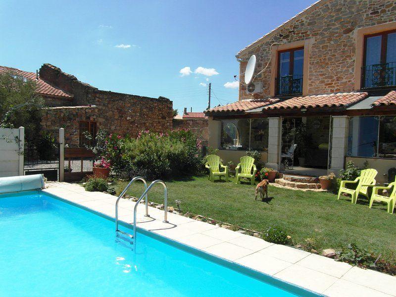 Moderna casa de viticultores con piscina en St. André de Roquelongue, cerca de Narbona y las playas