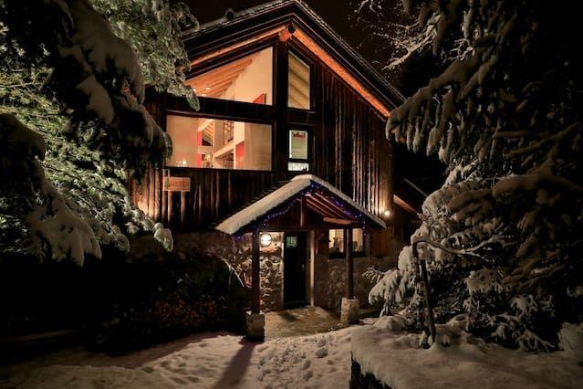 A luxury ski chalet in the heart Meribel