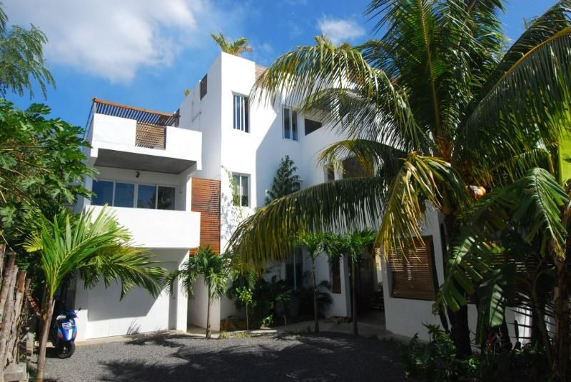 Villa Ayr: 3 Bedroom Family Size Apartment