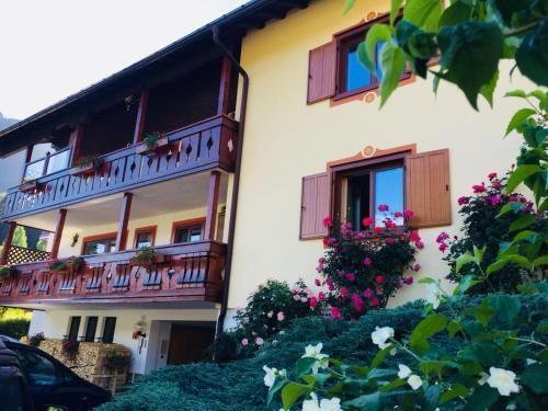 Alloggio di 2 camere con balcone