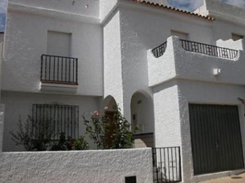 Vivienda con balcón de 4 habitaciones