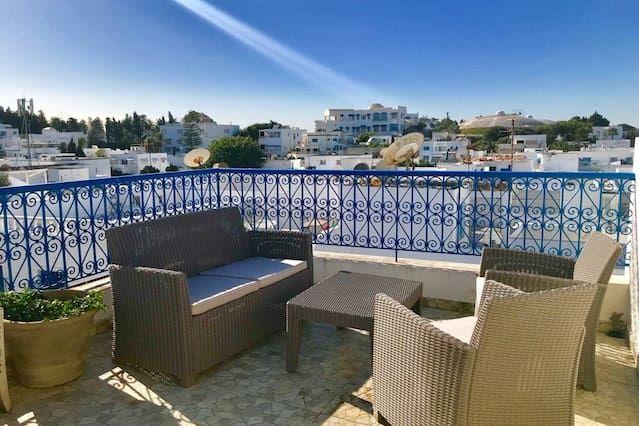 Hébergement à Sidi bou saïd avec balcon