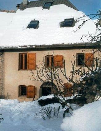 Equipada casa de 5 habitaciones