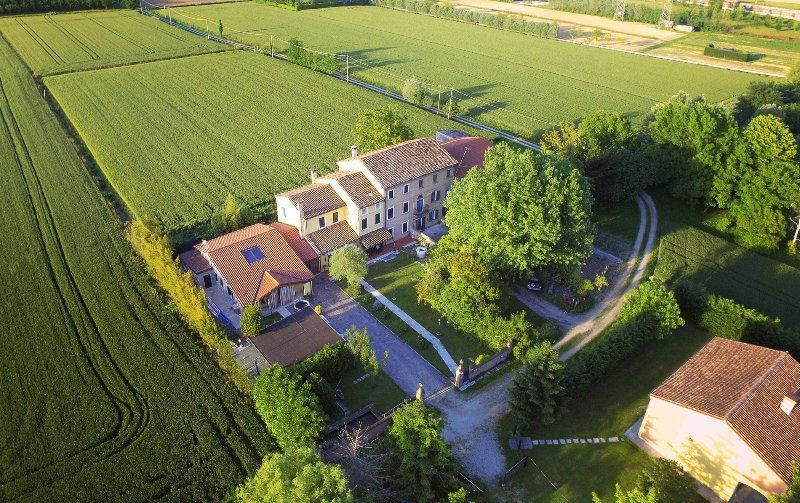 Suite in the Countryside of Venice