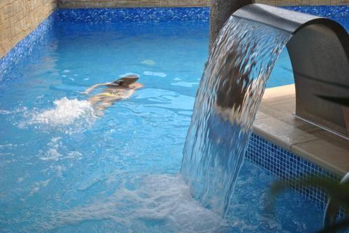 Chaleureux appartement avec piscine