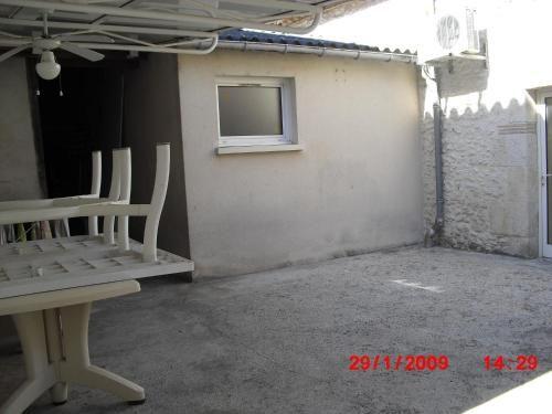 Apartamento en Cours-les-bains con parking incluído