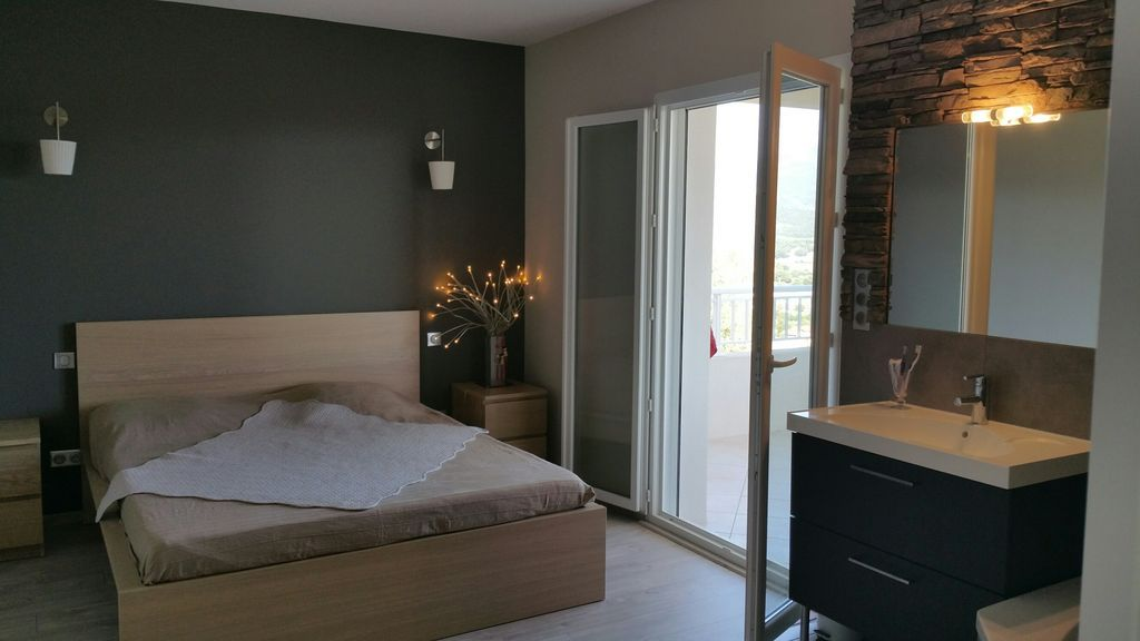 Alojamiento en Bastelicaccia de 2 habitaciones