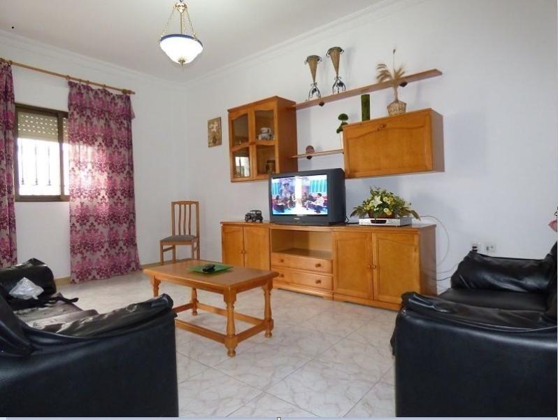 Práctico piso turístico de 3 dormitorios en Conil de la frontera