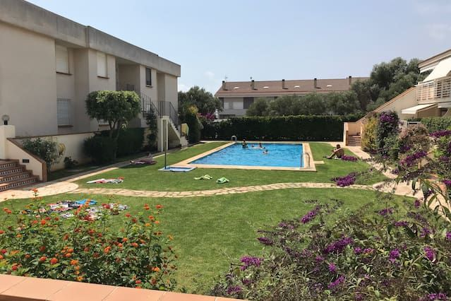 Holiday rental with swimming pool and 1 room