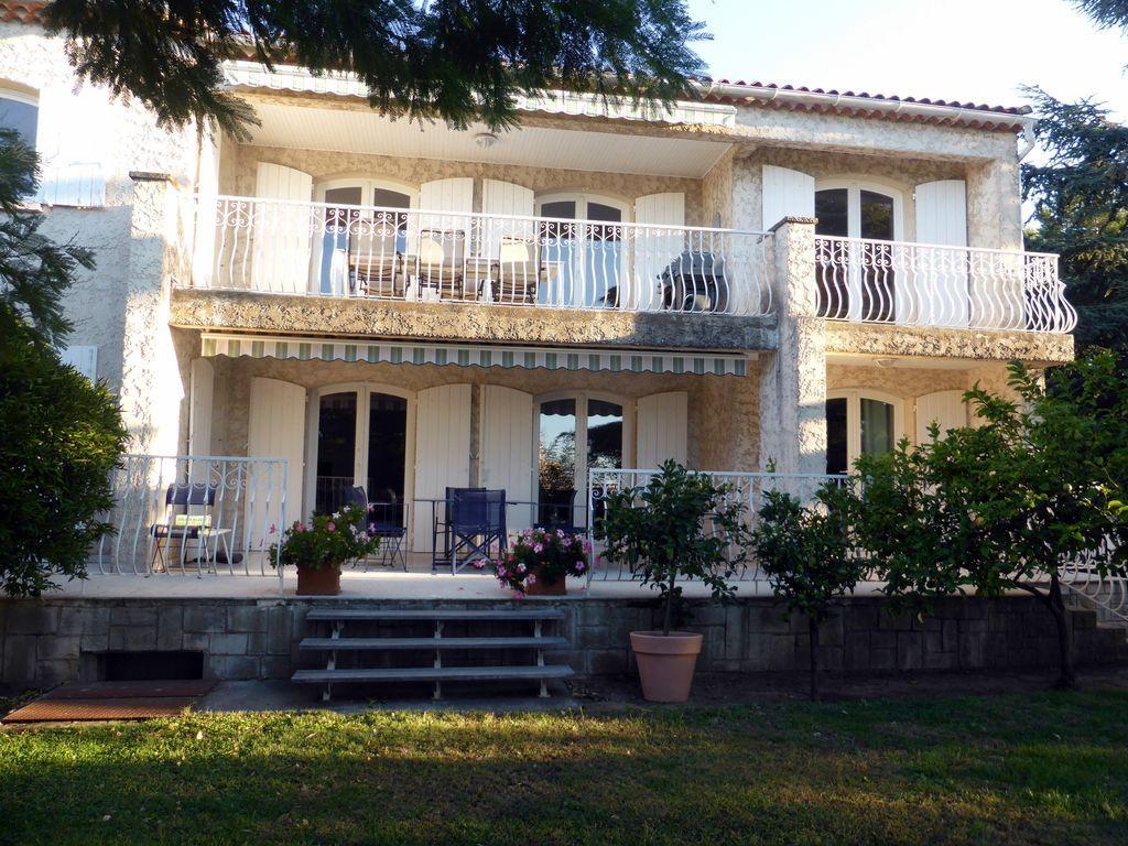 Hébergement à Bouches-du-rhône à 2 chambres
