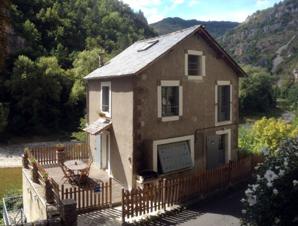 Provista residencia en Sainte-enimie