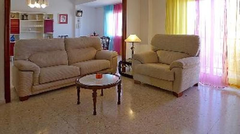 Holiday rental in Ondara with parking included
