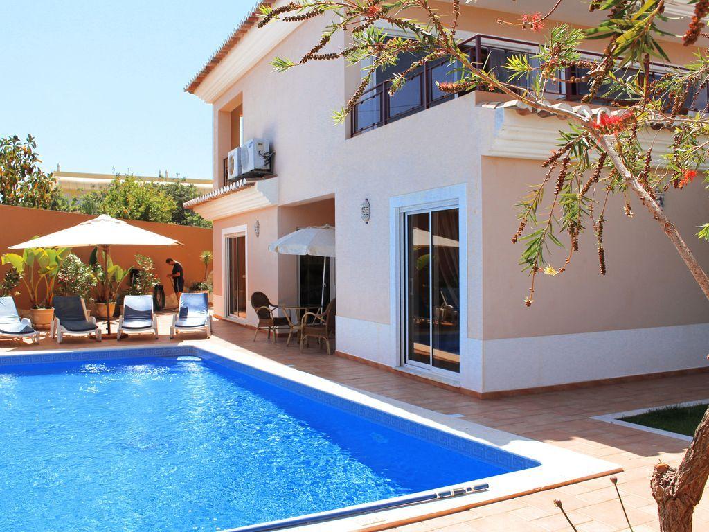 Casa de vacaciones en Meia Praia (7 personas) con piscina privada y vistas fantasticas al mar
