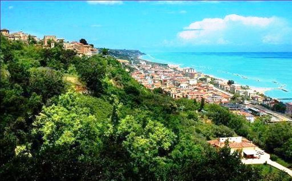 Alojamiento con balcón en Cepagatti