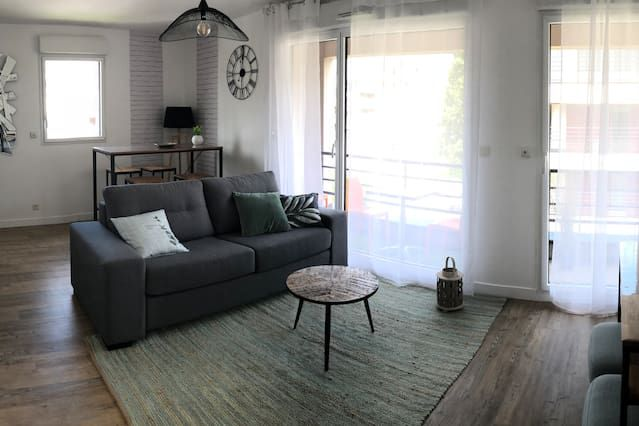 Apartment with parking included