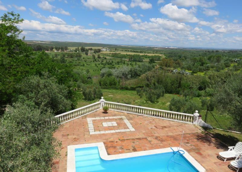 Chalet con piscina a 25 km de sevilla