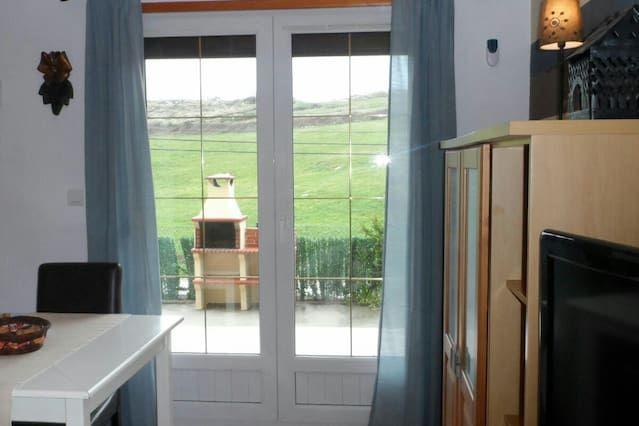 Apartamento de 2 habitaciones con balcón