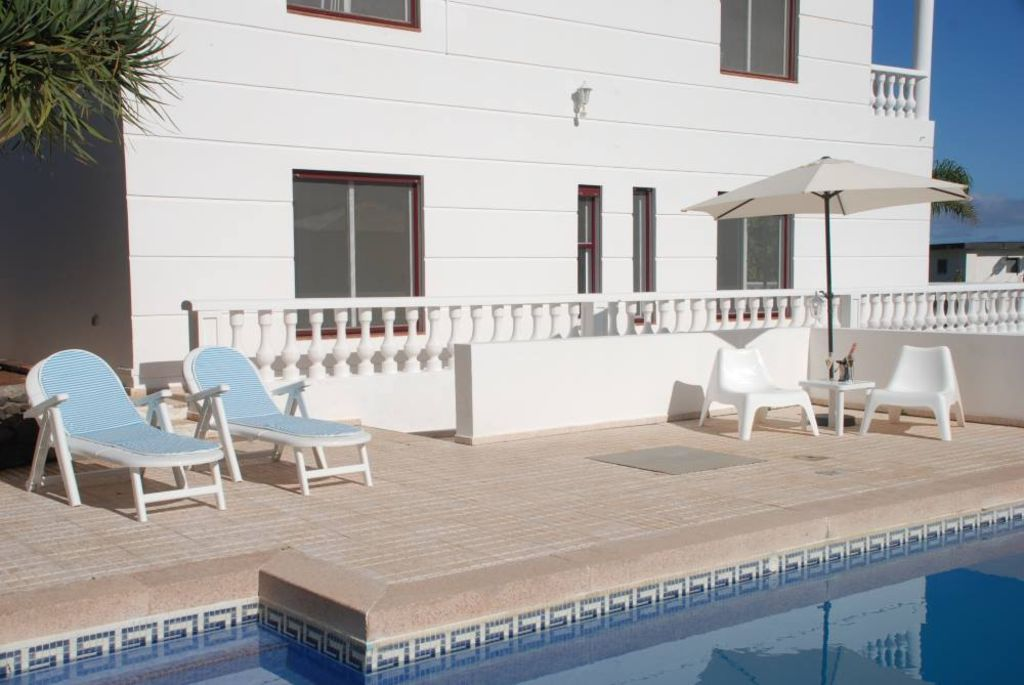 Residencia para 8 huéspedes de 4 habitaciones