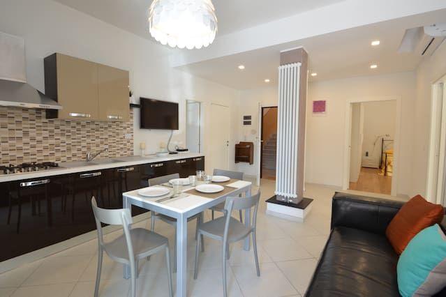 Nuevo apartamento con dos cuartos de baño y wifi gratuito