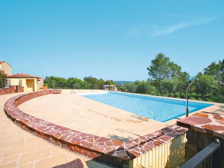 Apartamento equipado con piscina