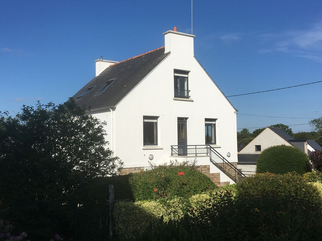 Atractiva casa en Le bono