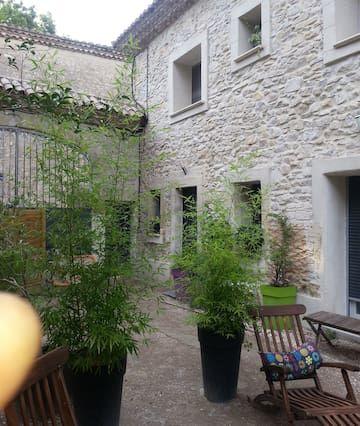 Alquile entre Nimes y Montpellier casa
