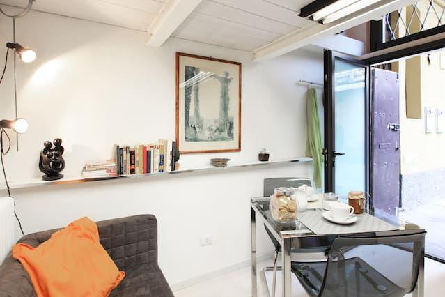 Studio in Navigli area with parking