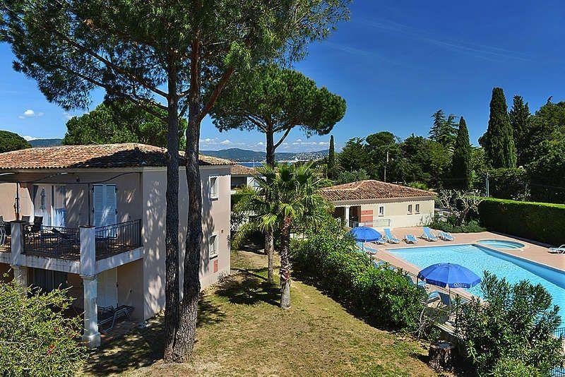 Alojamiento de 2 habitaciones con piscina
