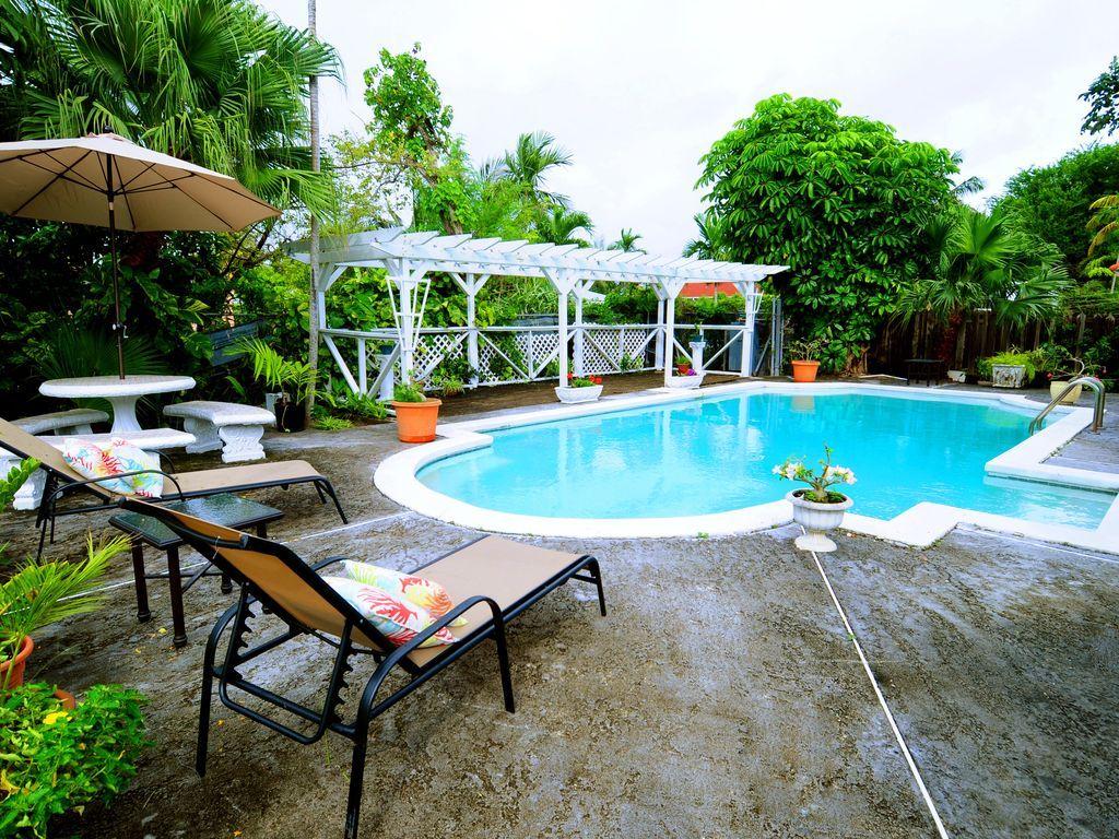 Alojamiento de 3 habitaciones en Nassau