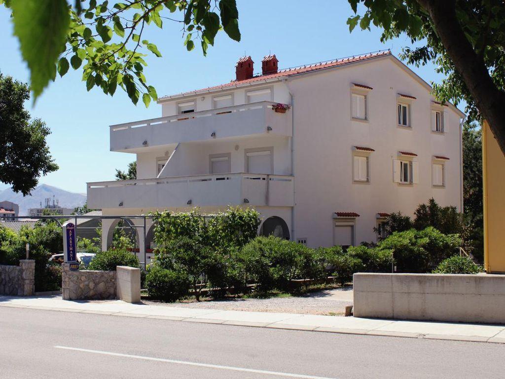 2-Zimmer-Ferienwohnung mit Terrasse Baška, Krk (A-5330-a)