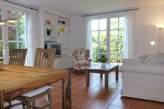 Ferienunterkunft für 4 Gäste mit Balkon