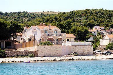 Bonacic Palace-stone house by the sea