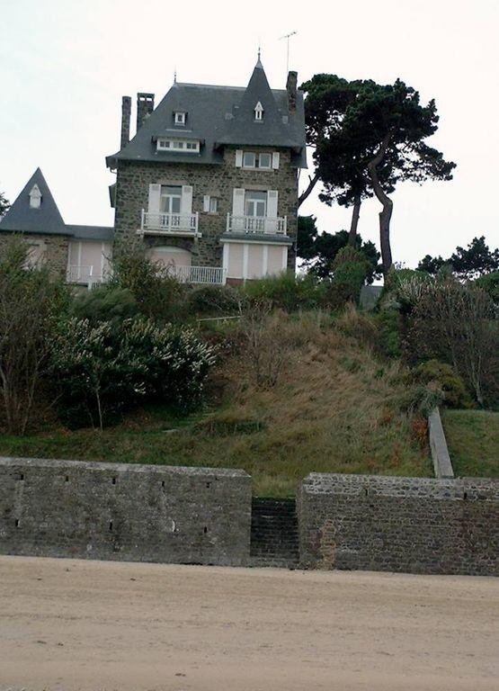 Hébergement de 2 chambres à Dinard