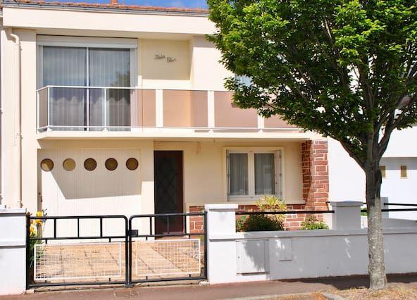 Alojamiento con todo lo necesario con balcón