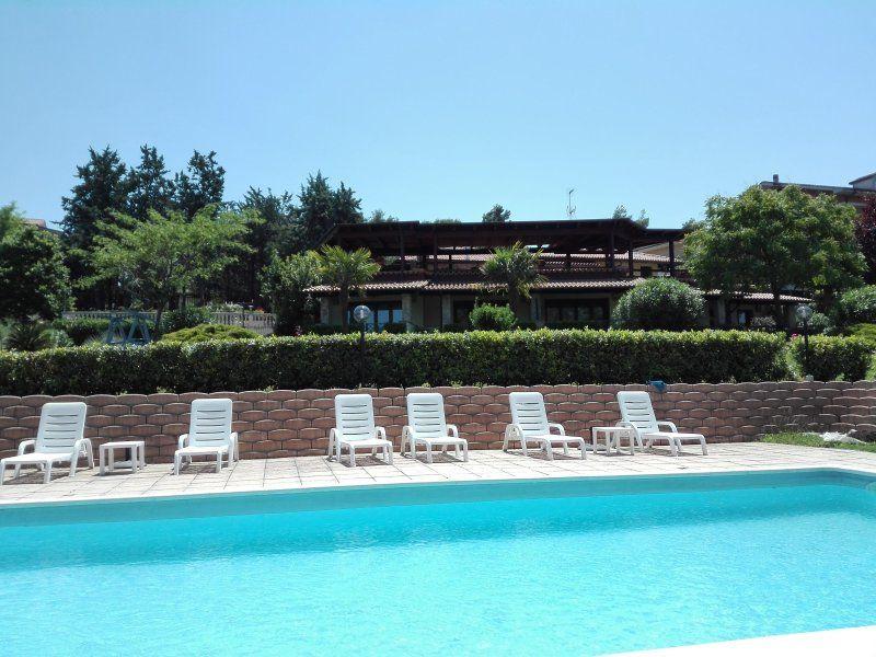 Residencia con piscina en Montefiore dell'aso