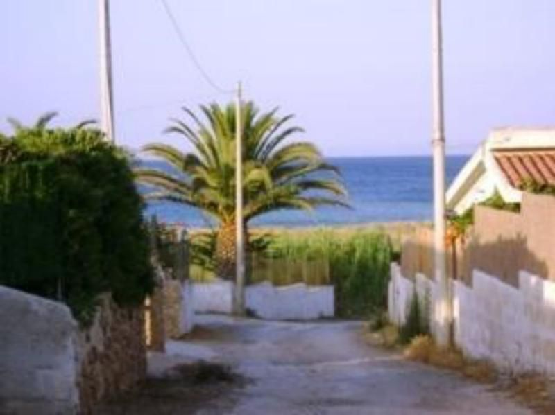 Bilocale in villa Spinazza a 150 m dal mare