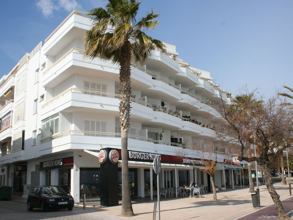 Holiday rental with parking included in Cala millor