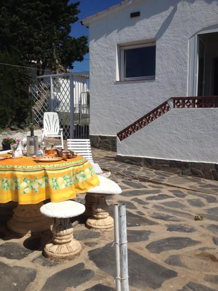 Beautiful holiday apartment for 6 in Costa brava
