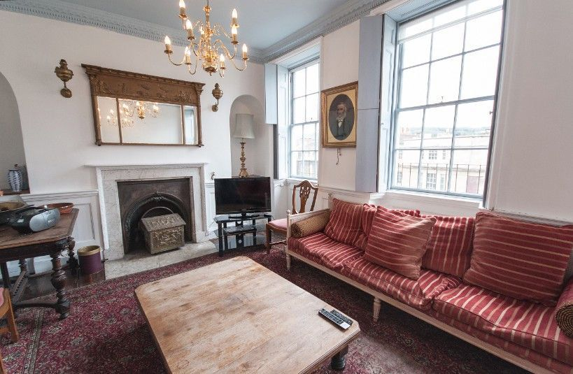 Central holiday home in Bath of 7 rooms