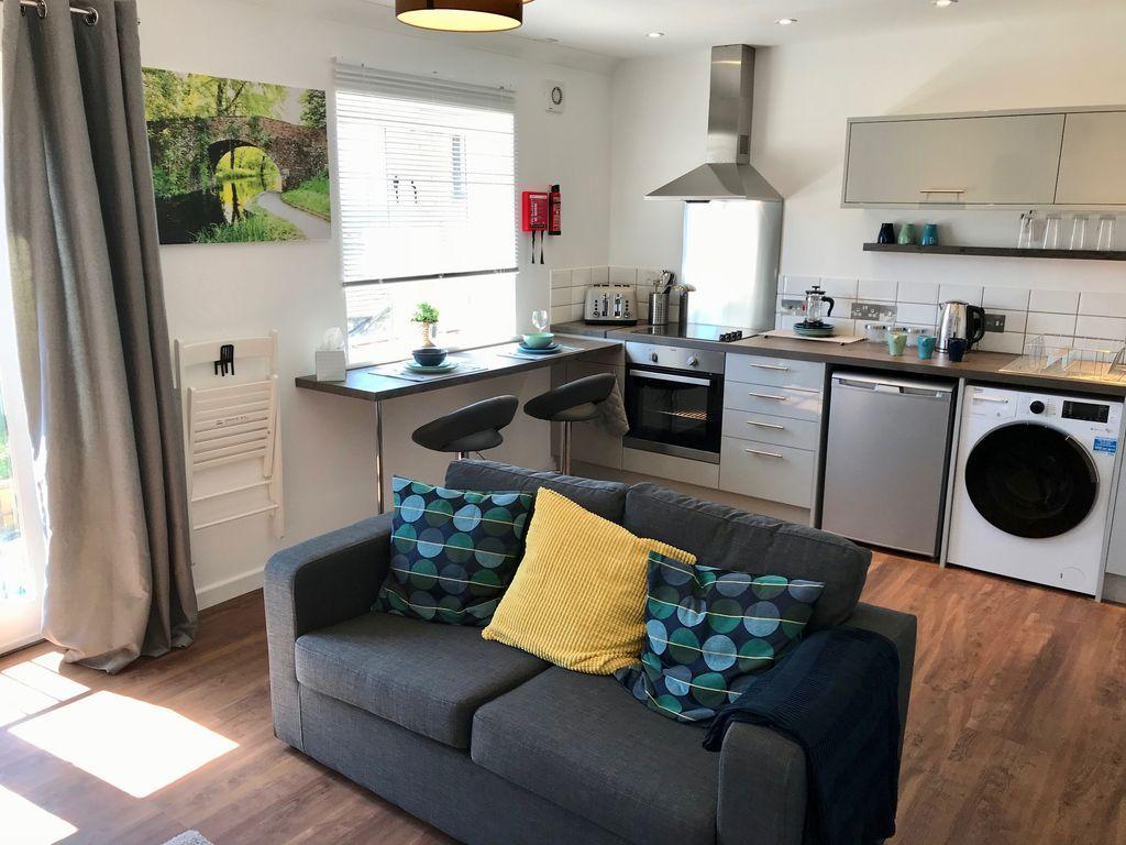 Equipado piso en Stroud
